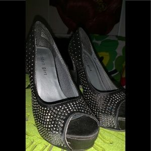 Beautiful bejeweled Madden Girl heels size 6/6.5